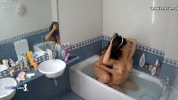 Mimi masturbate in bathtub and Olivia come to join, June 21